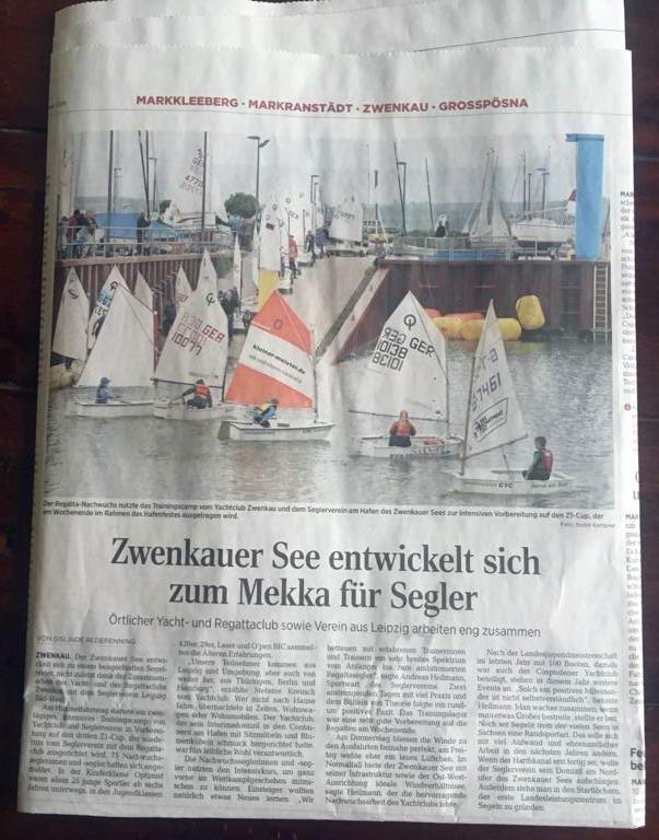 Boote werden über die Sliprampe am Zwenkauer See zu Wasser gelassen